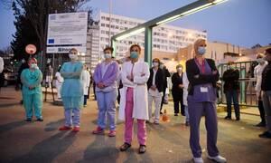 Κορονοϊος: Σήμερα η οικονομική ενίσχυση στους εργαζόμενους σε νοσοκομεία, ΕΟΔΥ, ΕΚΑΒ και ΓΓΠΠ