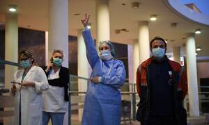 Κορονοϊός: Ευχάριστα νέα από τη Θεσσαλονίκη - Ασθενείς νικούν τον φονικό ιό και βγαίνουν από τις ΜΕΘ