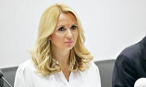 Κορονοϊός: Ο Τσιόδρας της Σερβίας είναι... κόλαση - Η ξανθιά γιατρός που καθηλώνει (pics)