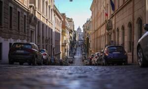 Κορονοϊός - Συγκλονιστικό βίντεο: Πώς άλλαξε o κόσμος σε 3 μήνες