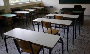 Ποιοι εκπαιδευτικοί σε ιδιωτικά σχολεία μπαίνουν σε αναστολή και ποιοι όχι