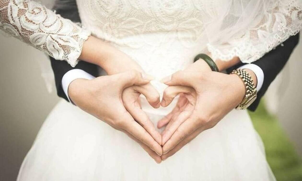 Έρωτας εν μέσω καραντίνας: Δείτε τι έκανε ερωτευμένο ζευγάρι προκειμένου να παντρευτεί (pics)