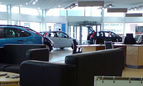 Πόσο έχουν μειωθεί οι πωλήσεις καινούργιων αυτοκινήτων στη χώρα μας λόγω του κορονοιού;