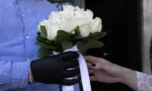 Κορωνοϊός - Αθήνα: Γάμοι εν μέσω πανδημίας