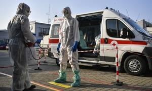 Κορονοϊός - Ιταλία: Νοσοκόμα καθησυχάζει ασθενή με τον πιο συγκινητικό τρόπο (vid)