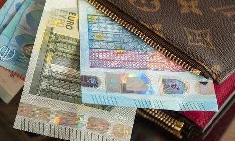 Επίδομα 800 ευρώ: Πώς θα υποβάλλουν την αίτηση όσοι δεν πρόλαβαν