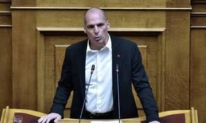 Κορονοϊός - Βαρουφάκης για ταξίδι στην Αίγινα: Μένω εκεί, πήγα στην Αθήνα για συνεδρίαση της Βουλής