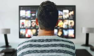 Κορονοϊός: Χαμός στην τηλεόραση - Ποιες εκπομπές επιστρέφουν και ποιες όχι