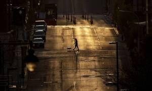 Κορονοϊός - Παγκόσμιος τρόμος: Πάνω από 100.000 οι θάνατοι και 1,6 εκατομμύρια τα κρούσματα