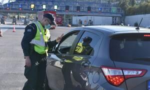 Απαγόρευση κυκλοφορίας: Πάνω από 700 παραβάσεις μέσα σε λίγες ώρες