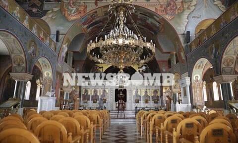 Κυριακή των Βαΐων: «Ωσαννά» χωρίς πιστούς – Ελάχιστος κόσμος έξω από ναούς