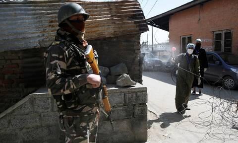 Ινδία: Τουρίστες παραβίασαν την καραντίνα - Υποχρεώθηκαν να γράψουν 500 φορές «συγγνώμη»