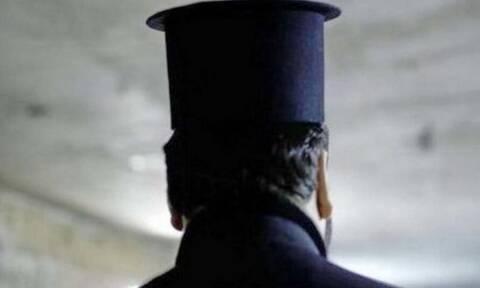 Κορονοϊός: Αυτός είναι ο ιερέας που ψάχνει η ΕΛ.ΑΣ. επειδή κοινωνούσε πολίτες παρά την απαγόρευση