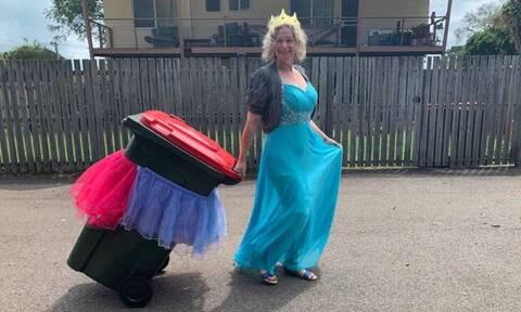 Κορονοϊός: Πετώντας τα σκουπίδια με στυλ - Η σελίδα του facebook που... αψηφά την καραντίνα