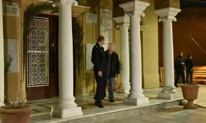 Κορονοϊός - Κουκάκι: Τι υποστήριξε ο νεωκόρος του ναού όπου ιερέας κοινώνησε πιστούς