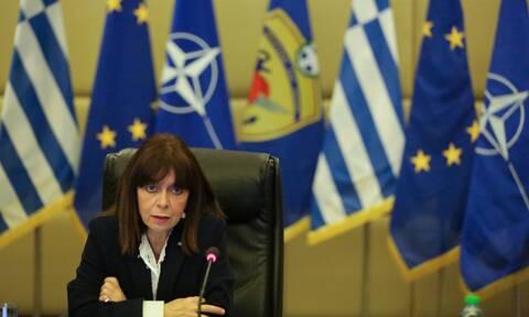 Το μήνυμα της Σακελλαροπούλου για τη Μεγάλη Εβδομάδα: Το φετινό Πάσχα θα διαφέρει