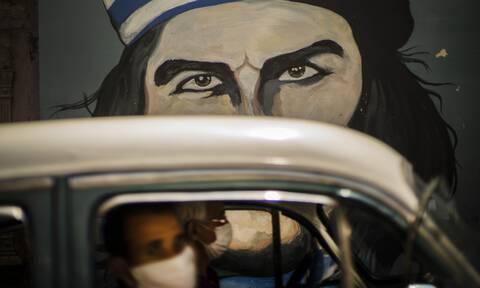 Κούβα: Εκδότης πέθανε από κορονοϊό στην Αβάνα, την οποία επισκεπτόταν έπειτα από 60 χρόνια εξορίας