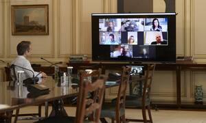 Κορονοϊός: Τηλεδιάσκεψη Μητσοτάκη με τους ευρωβουλευτές της ΝΔ για τον φονικό ιό