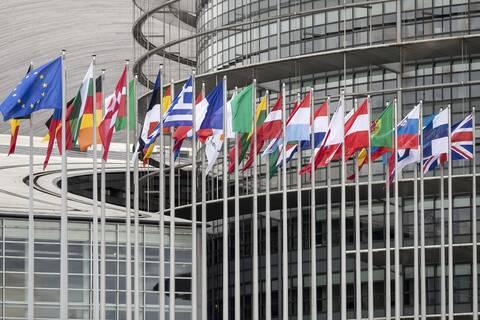 Κορονοϊός - Κομισιόν: Πρέπει να συντονίσουμε τις στρατηγικές εξόδου από το lockdown