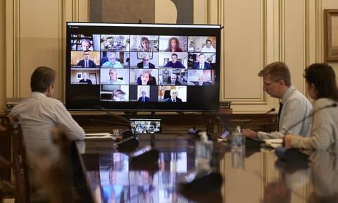 Κορονοϊός: Τηλεδιάσκεψη Μητσοτάκη με επιστήμονες για τις εξελίξεις στη μελέτη του Covid-19
