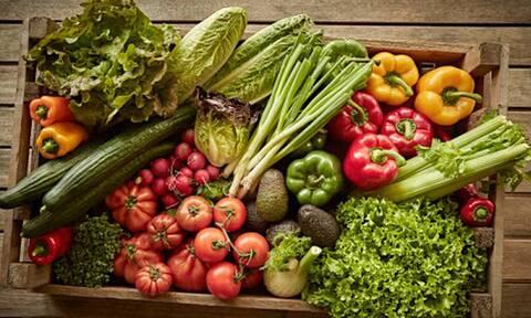 Ποιες είναι οι τροφές που έχουμε περισσότερο ανάγκη αυτόν τον καιρό