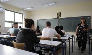 Κορονοϊός - Πέτσας: Αρχές Μαΐου ίσως ανοίξουν τα σχολεία και κάποια καταστήματα