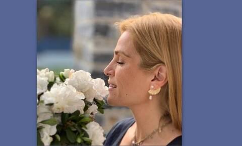 Τζένη Μπότση: Δες τι κάνει με την 5 μηνών κόρη της και θα λιώσεις! (Photos)