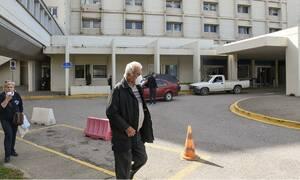 Ρίγη συγκίνησης: Χειροκροτήματα για ασθενή που αποσωληνώθηκε στο «Σωτηρία» (vid)