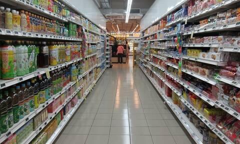 Χαμός σε σούπερ μάρκετ - Πελάτης «επιτέθηκε» σε νοσοκόμα (vid)
