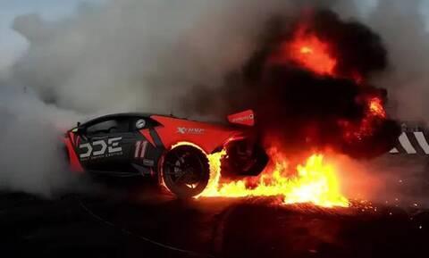 Αν είναι δυνατόν: Έκαψε μία Lamborghini Huracan και πανηγυρίζει
