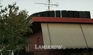 Κορονοϊός - Φθιώτιδα: Γέμισε την ταράτσα με ηχεία για τις Ιερές Ακολουθίες