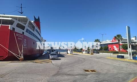 Κορονοϊός - Ρεπορτάζ Newsbomb.gr: Μεταμορφώθηκε σε λιμάνι της μοναξιάς ο Πειραιάς - Δεν υπάρχει ψυχή