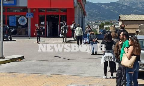 Κορονοϊός - Ρεπορτάζ Newsbomb.gr: Απίστευτες ουρές σε σούπερ μάρκετ και λαϊκές