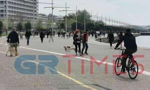 Κορονοϊός: Χαμός και πάλι στη Νέα Παραλία Θεσσαλονίκης - «Βούλιαξε» από κόσμο