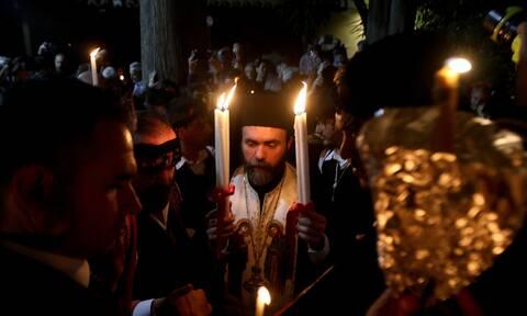 Άγιο Φως - Live εικόνα από τον Πανάγιο Τάφο: Πρωτόγνωρες σκηνές στην τελετή αφής