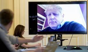 Κορονοϊός Βρετανία: Ο Μπόρις Τζόνσον ξεκίνησε τις επαφές με υπουργούς μετά την νοσηλεία του
