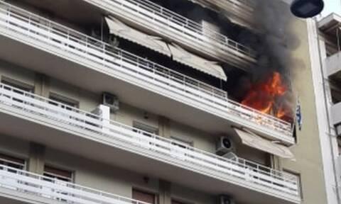 Τραγωδία στη Θεσσαλονίκη: Ένας νεκρός από φωτιά σε διαμέρισμα (pics&vid)