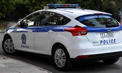 Αστυνομικοί έβαλαν το «Χριστός Ανέστη» στο μεγάφωνο του περιπολικού! (vid)