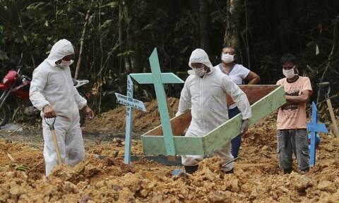 Κορονοϊός: Τρόμος στην ζούγκλα - Ανοίγουν ομαδικούς τάφους δίπλα στον Αμαζόνιο