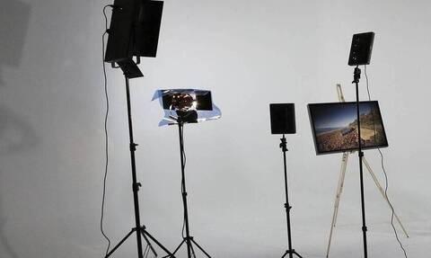 Κορονοϊός: Ρεπόρτερ έκανε live μετάδοση – «Πάγωσαν» όλοι με αυτό που έδειξε η κάμερα (pics)