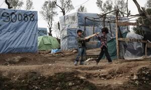 Κορονοϊός: Η Αυστρία ενισχύει την Ελλάδα με υγειονομικό εξοπλισμό για προσφυγικούς καταυλισμούς