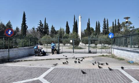 Κορονοϊός: Επέμβαση της αστυνομίας στο Πεδίον του Άρεως - Γινόταν το αδιαχώρητο
