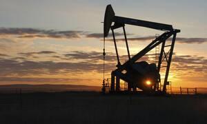 Παγκόσμιο θρίλερ με το πετρέλαιο: Λίγο πιο πάνω από το μηδέν η τιμή του