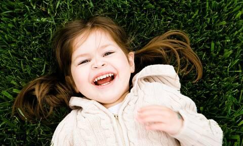 Κορονοϊός: Γραμμή ψυχοκοινωνικής βοήθειας για γονείς και παιδιά εν μέσω πανδημίας