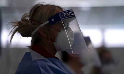 Κορονοϊός: Λύθηκε το «ιατρικό μυστήριο»; Γιατί «χτυπά» περισσότερο τους άνδρες