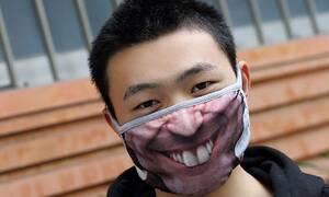 Κορονοϊός: Αλήθεια τώρα; Δείτε τι φόρεσαν για να προστατευτούν από τον ιό