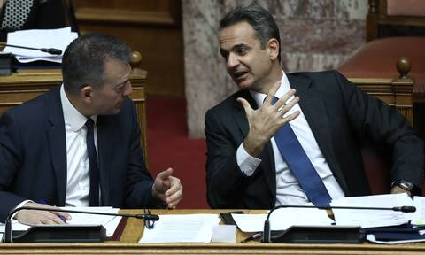 To «μάζεμα» των vouchers και η ευθύνη του ΣΥΡΙΖΑ -Τι αποκαλύπτουν κυβερνητικές πηγές στο Newsbomb.gr