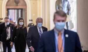 Κορονοϊός ΗΠΑ: Με μάσκες και γάντια οι βουλευτές συνεδριάζουν για να ψηφίσουν νομοσχέδιο