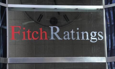 Fitch: Υποβάθμιση των προοπτικών της ελληνικής οικονομίας από «θετικές» σε «σταθερές»