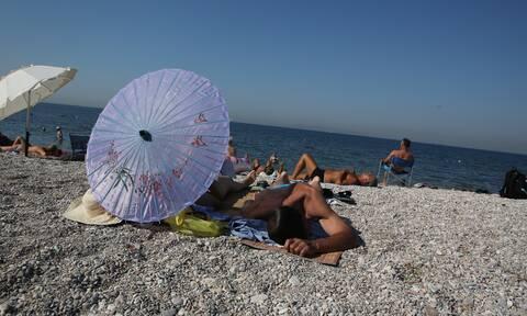 Κορονοϊός - To καλοκαίρι της πανδημίας: Πώς θα αλλάξει το μπάνιο στην παραλία